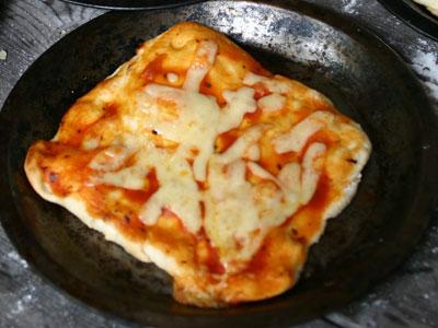 ピザ作りに挑戦!
